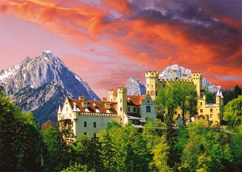 Hohenschwangau Castle, Bavaria Germany (TRE27053), a 2000 piece jigsaw puzzle by Trefl. Click to view larger image.