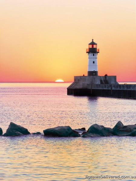 Lighthouse Sunset (CLE 35003), a 500 piece jigsaw puzzle by Clementoni.