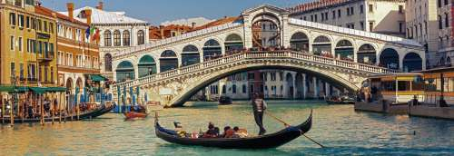 Rialto Bridge, Venice (HEY29736), a 1000 piece jigsaw puzzle by HEYE. Click to view larger image.