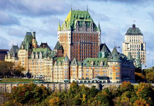 The Chateau Frontenac, Quebec (EDU17107), a 1000 piece jigsaw puzzle by Educa. Click to view larger image.