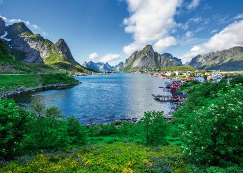 Lofoten Harbour (RB19711-8), a 1000 piece jigsaw puzzle by Ravensburger. Click to view larger image.