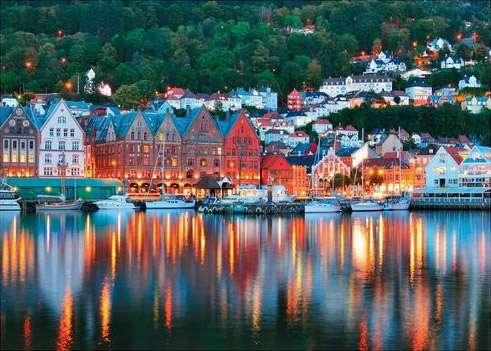 Bergen, Norway (RB19715-6), a 1000 piece jigsaw puzzle by Ravensburger. Click to view larger image.