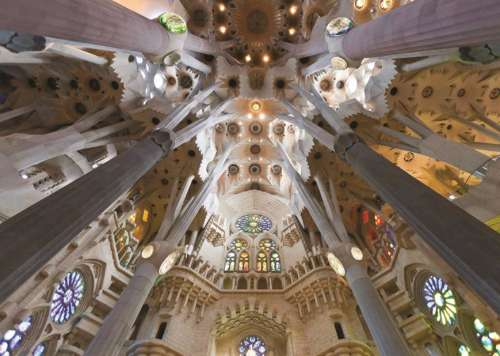 Sagrada Familia, Barcelona Spain (JUM18567), a 1000 piece jigsaw puzzle by Jumbo. Click to view larger image.