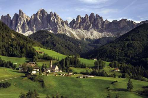 The Dolomites, Italy (JUM18580), a 1500 piece jigsaw puzzle by Jumbo. Click to view larger image.
