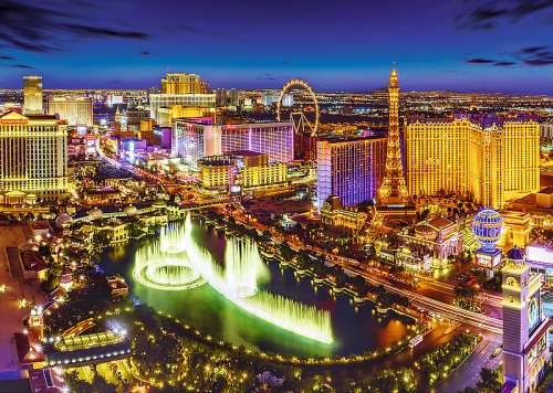 Las Vegas (TRE27081), a 2000 piece jigsaw puzzle by Trefl. Click to view larger image.