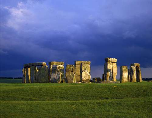 Stonehenge, England (CAA107803), a 1000 piece jigsaw puzzle by Crown and Andrews. Click to view larger image.
