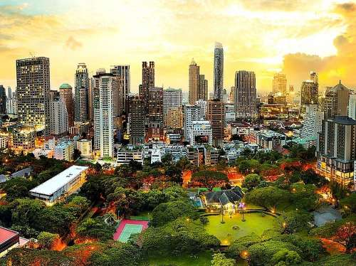 Sunset in Bangkok (TRE33060), a 3000 piece jigsaw puzzle by Trefl. Click to view larger image.
