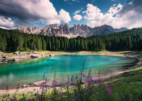 Mountain Lake, The Dolomites (RB19832-0), a 1000 piece jigsaw puzzle by Ravensburger. Click to view larger image.