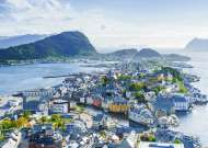 Alesund, Norway (RB19844-3), a 1000 piece Ravensburger jigsaw puzzle.