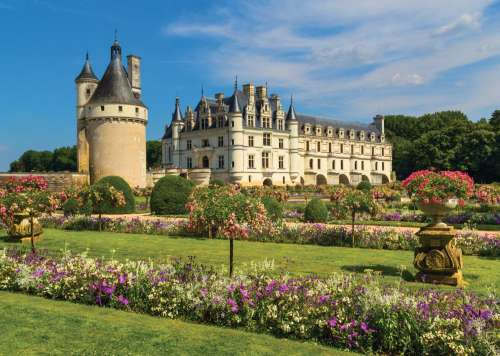 Castle in the Loire Valley, France (JUM18555), a 1000 piece jigsaw puzzle by Jumbo. Click to view larger image.