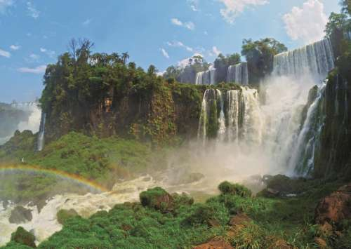 Iguazu Falls (JUM18522), a 500 piece jigsaw puzzle by Jumbo. Click to view larger image.