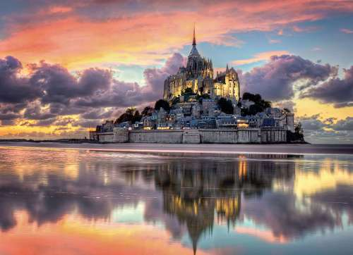 Mont St Michel, France (CLE 96160), a 1000 piece jigsaw puzzle by Clementoni. Click to view larger image.