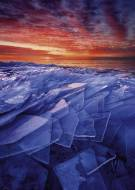 Ice Layers (HEY29862), a 1000 piece jigsaw puzzle by HEYE. Click to view this jigsaw puzzle.