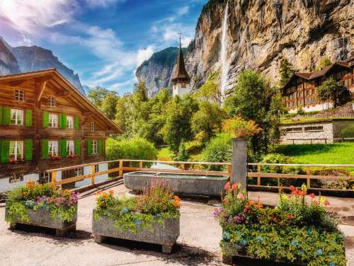 Lauterbrunnen, Switzerland (RB13712-1), a 500 piece jigsaw puzzle by Ravensburger. Click to view larger image.
