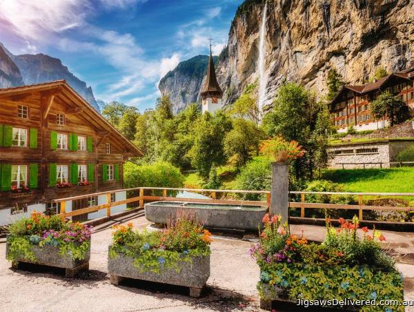 Lauterbrunnen, Switzerland (RB13712-1), a 500 piece jigsaw puzzle by Ravensburger.