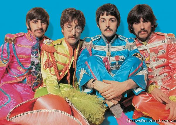 The Beatles Sergeant Pepper (RB19750-7), a 1000 piece jigsaw puzzle by Ravensburger.