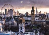 London (RB14085-5), a 1000 piece jigsaw puzzle by Ravensburger. Click to view this jigsaw puzzle.