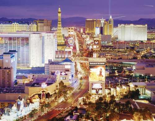 Las Vegas (CLE 36510), a 6000 piece jigsaw puzzle by Clementoni. Click to view larger image.