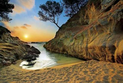 Sunrise, Costa Brava, Spain (TRE27048), a 2000 piece jigsaw puzzle by Trefl. Click to view larger image.