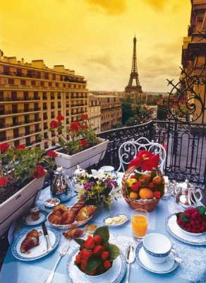 Breakfast in Paris (CLE 30320), a 500 piece jigsaw puzzle by Clementoni. Click to view larger image.