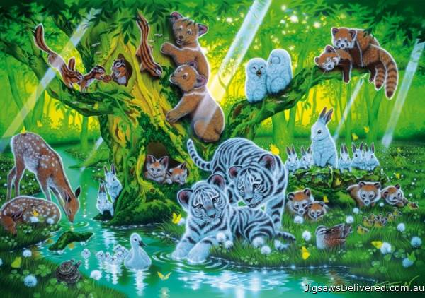Mother Tree (Glow in the Dark) (CLE 39262), a 1000 piece jigsaw puzzle by Clementoni.