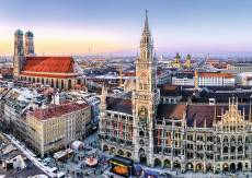 Munich, Germany (RB19426-1), a 1000 piece Ravensburger jigsaw puzzle.