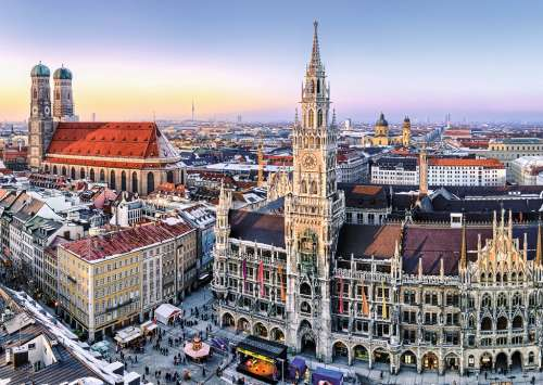 Munich, Germany (RB19426-1), a 1000 piece jigsaw puzzle by Ravensburger. Click to view larger image.