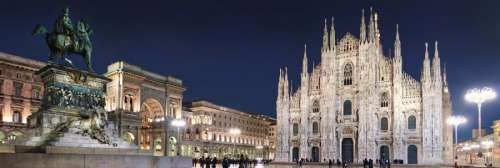 Milan Cathedral (CLE 31496), a 1000 piece jigsaw puzzle by Clementoni. Click to view larger image.