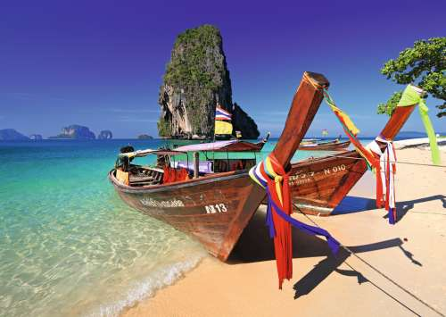 Railay Beach, Thailand (RB19477-3), a 1000 piece jigsaw puzzle by Ravensburger. Click to view larger image.